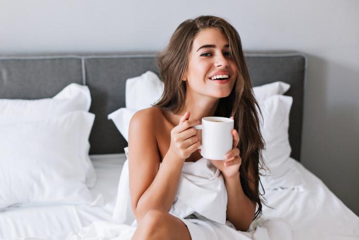 5 упражнений, которые заменят утреннюю чашку кофе и помогут похудеть