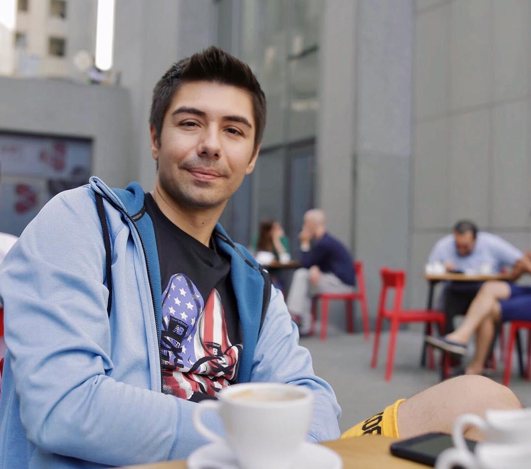 происходящее фото игоря обуховского фанат открыток