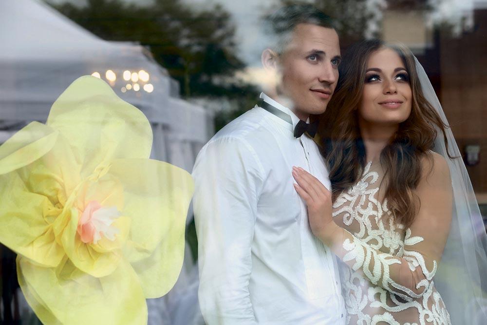 этом свадьба яны меладзе и олега фото при затемнении его