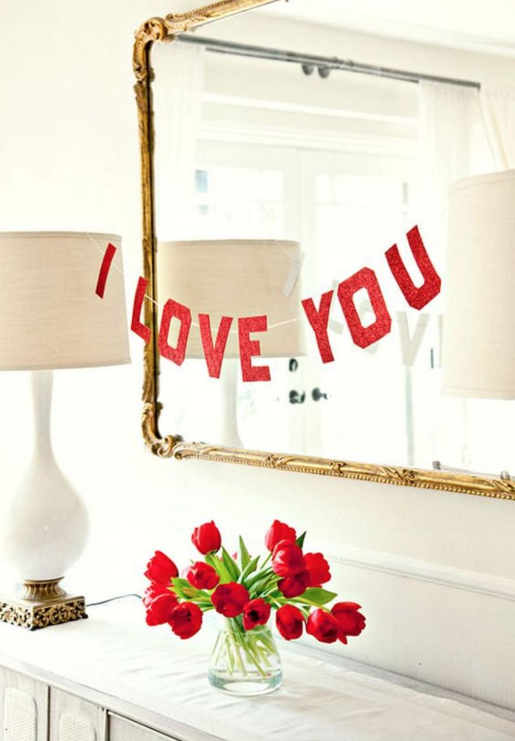 Как украсить комнату на 14 февраля: идеи